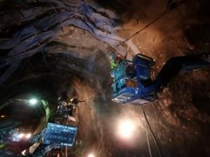 2015.02 新潟県 乾式 トンネル 第一建設工業 一般国道459号線 如月・師走隧道補修工事6